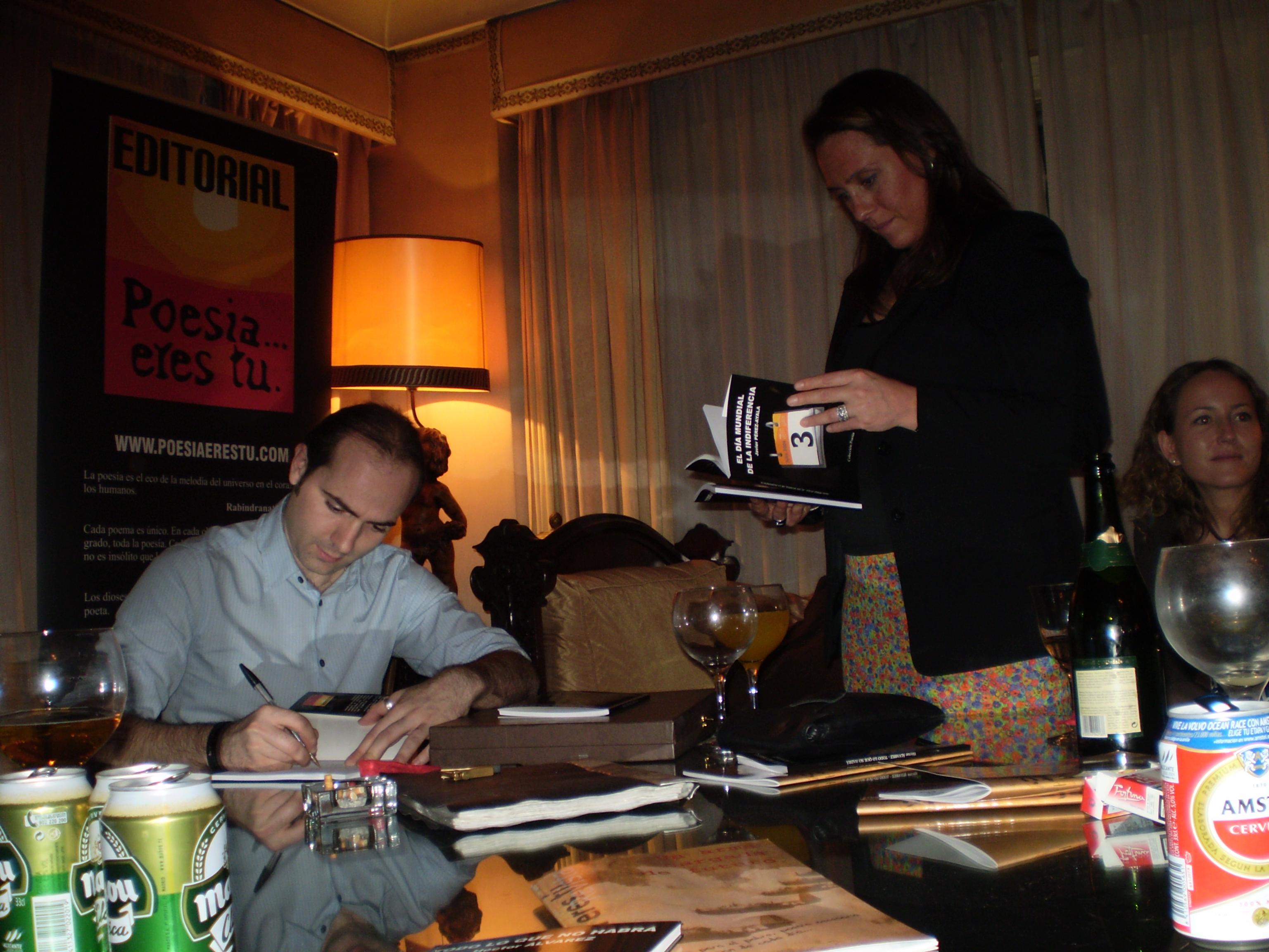 Paco Bello mejor autor del año 2008 Editorial Poesía eres tú. Paco Bello mejor autor del año 2008 Editorial Poesía eres tú. p2190222