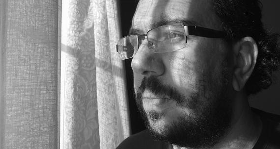 """David Romero: """"la poesía debe ser al pueblo, lo que el arma a la revolución"""" David Romero: """"la poesía debe ser al pueblo, lo que el arma a la revolución"""" DSCF3594"""