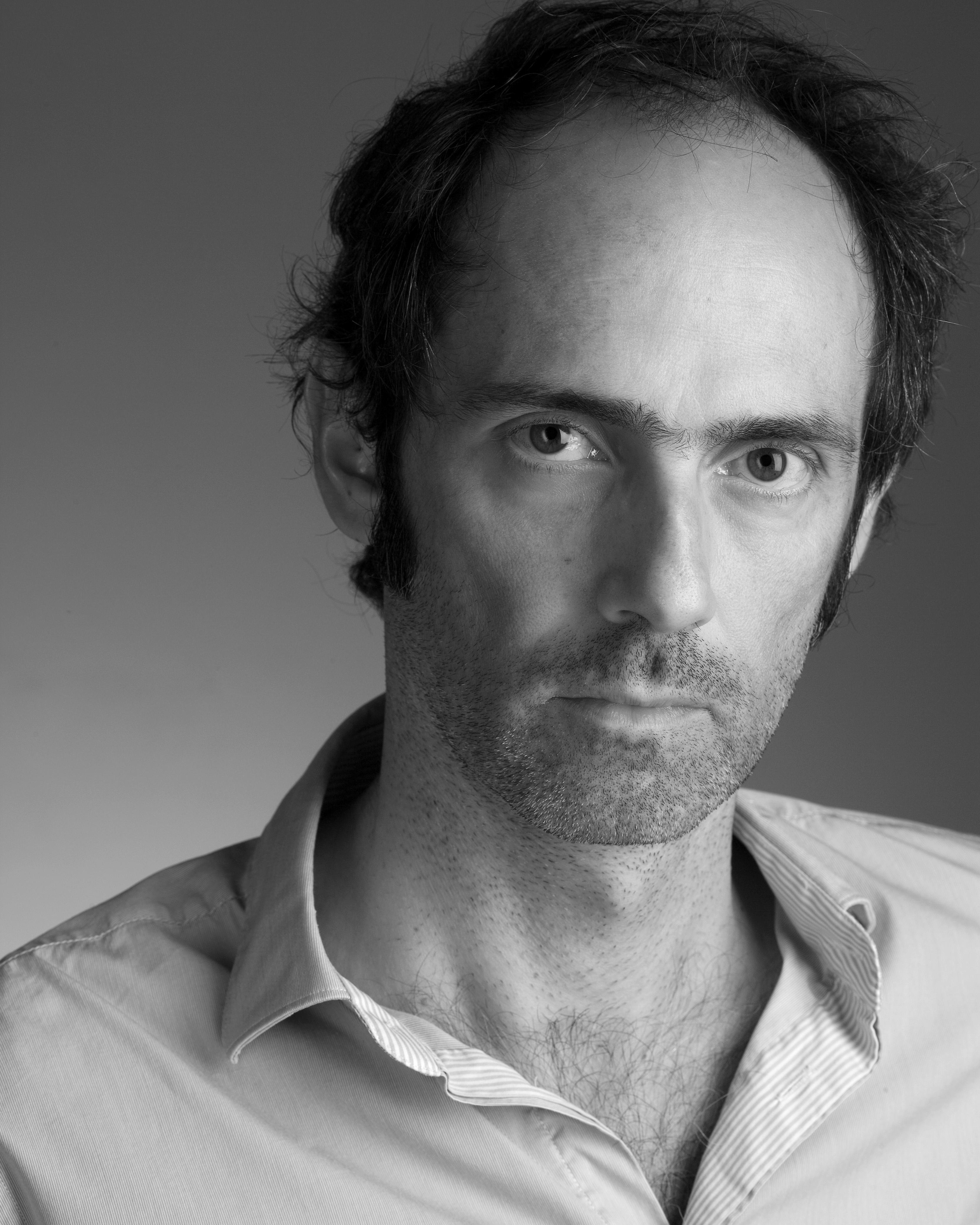 """José Vidal Valicourt: """"el sueño de Blanchot fue el de lograr una escritura colectiva y anónima, sin los lujos de los nombres propios"""" José Vidal Valicourt: """"el sueño de Blanchot fue el de lograr una escritura colectiva y anónima, sin los lujos de los nombres propios"""" YS7X7683"""