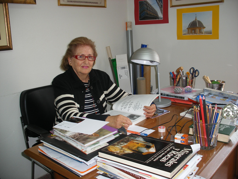 """Angelina Jiménez: """"Para escribir poesía hay que ser humilde"""" Angelina Jiménez: """"Para escribir poesía hay que ser humilde"""" DSCF0006"""