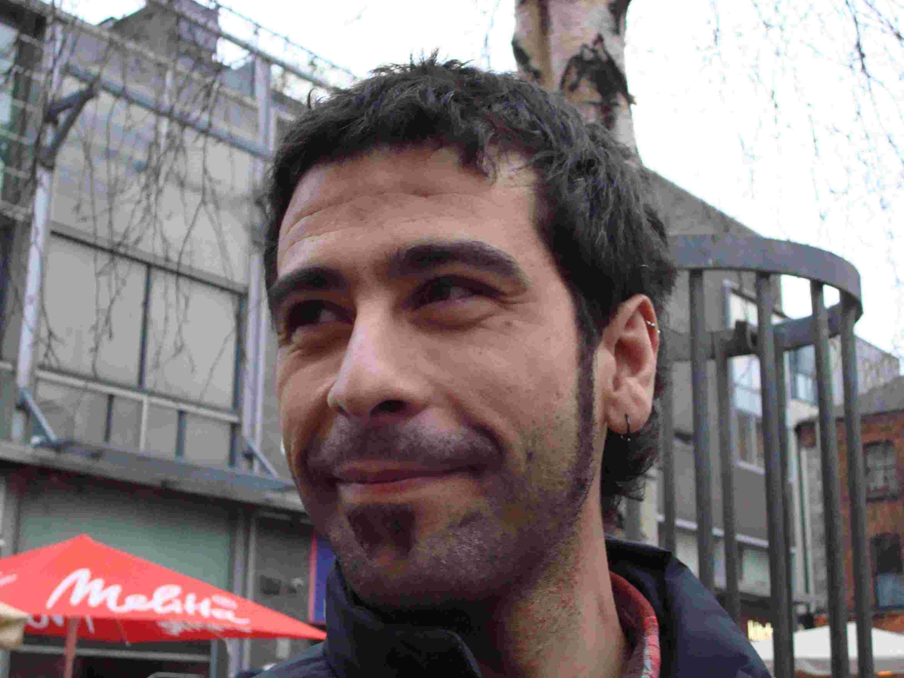 "Oscar Malvicio: ""La realidad no se calma escribiendo"" Oscar Malvicio: ""La realidad no se calma escribiendo"" OscarMalvicio"