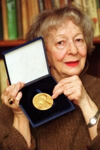 Muere Wislawa Szymborska - foto5 200x300 - Muere Wislawa Szymborska